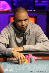 Phil Ivey finishes third in $5,000 Omaha 8/OB
