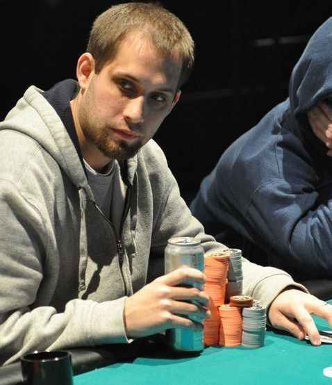 Becoming a full time poker player poker keeno game