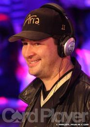 Phil Hellmuth wins his 12th WSOP bracelet