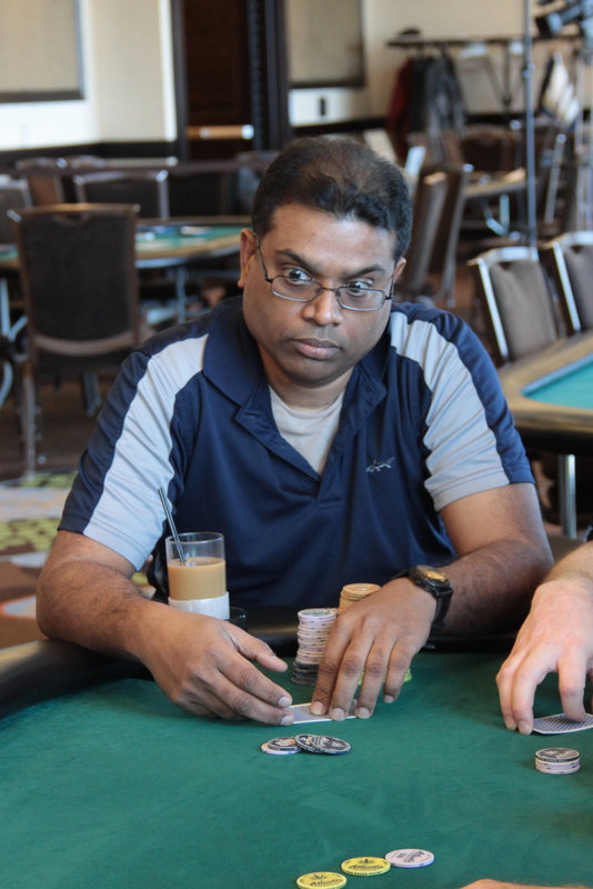 How many chips do you start off with in texas holdem