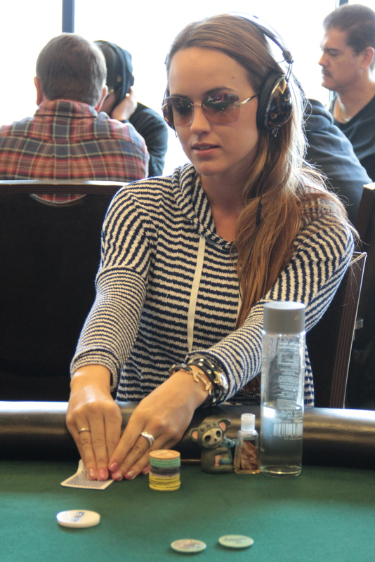 Candice poker player hotel amneville casino