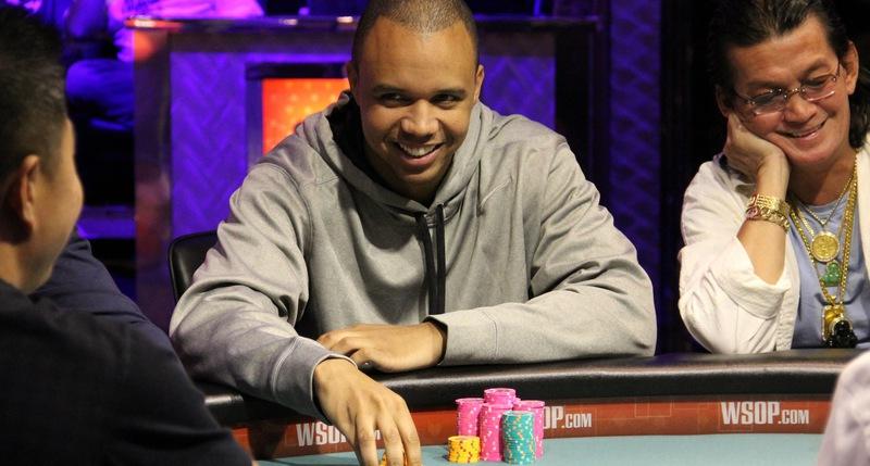 выиграть много денег в покер Холдем