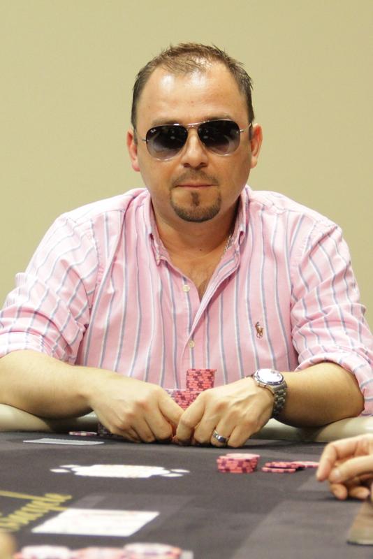 Lily colette poker player comment jouer au poker simple