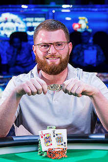 Petrangelo wins his first bracelet