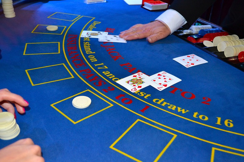 Advantage gambling poker sunk cost fallacy gambling