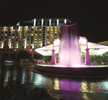 Thumbnail_exteriornight_fountain_sm