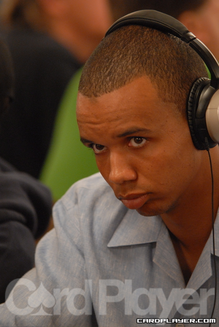 Phil Ivey eliminated