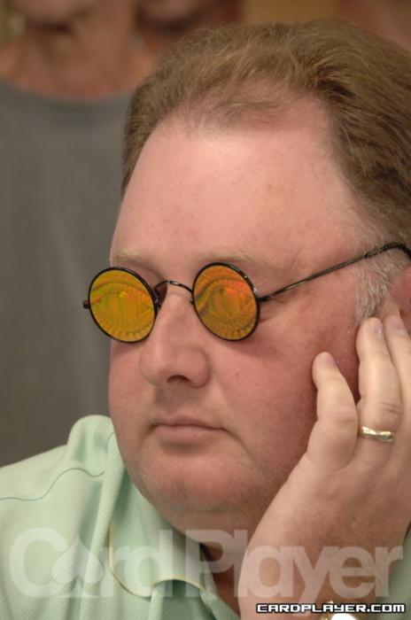 Greg Raymer and his trademark Glasses