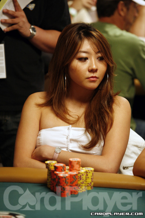Poker player with feet