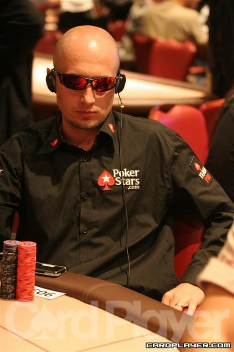 Team PokerStars Pro Marcin Horecki will enter the final table with the third largest stack.