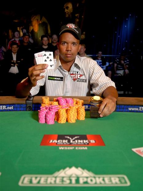 Phil Ivey Wins Sixth Bracelet