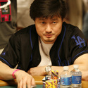 Large_medium_kevinhong_wsop_ev55_day2b