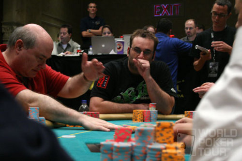 Mike Matusow focuses at the final table