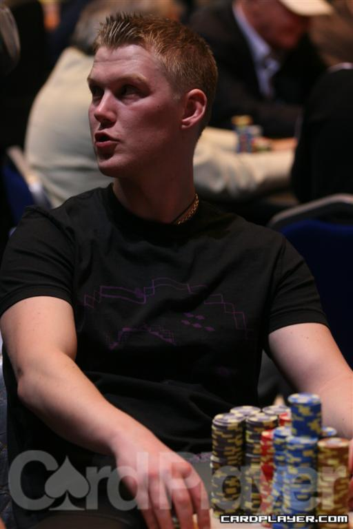 Oyvind Riisem takes down two huge pots